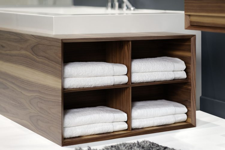 Storage for Cube Bathtub